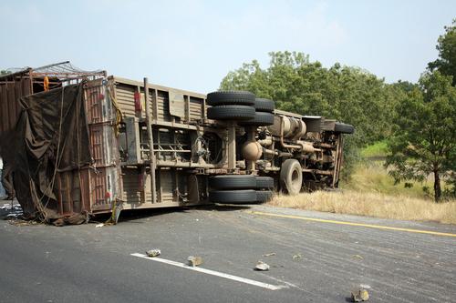 Quién es culpable en los accidentes de camión: 5 partes que podrían serlo| Abogado de Accidentes de Camión