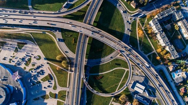 ¿Cuántos accidentes automovilísticos ocurren cada hora, día y año en EE. UU??